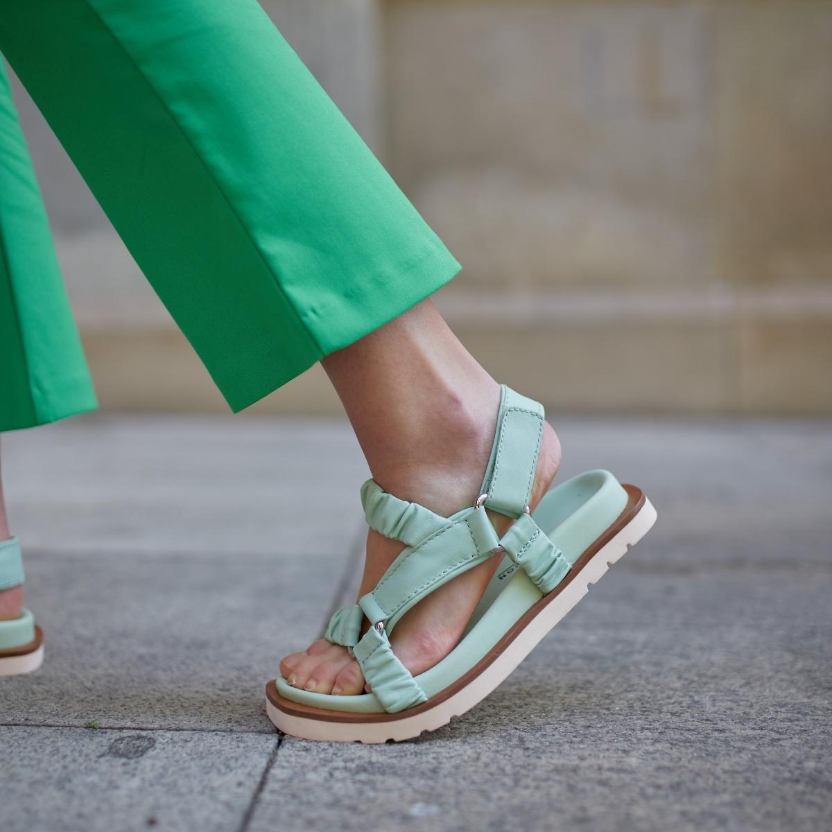 Sneaker Cream Negro
